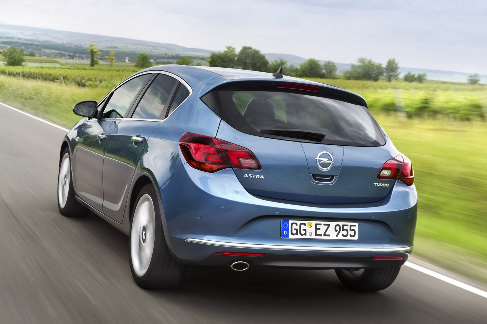 Opel Astra 2.2 2012 photo - 3
