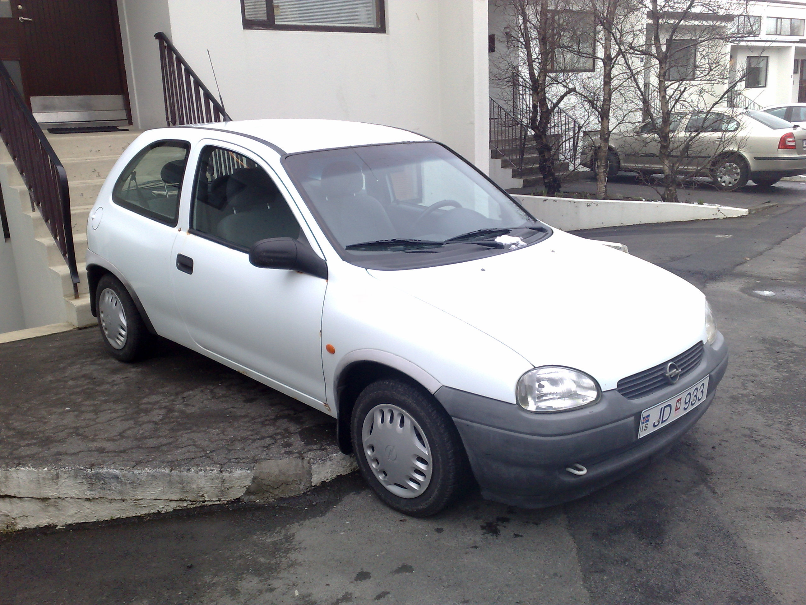Opel Corsa 1.0 1997 photo - 1