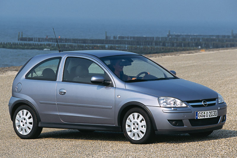 Opel Corsa 1.2 2004 photo - 1
