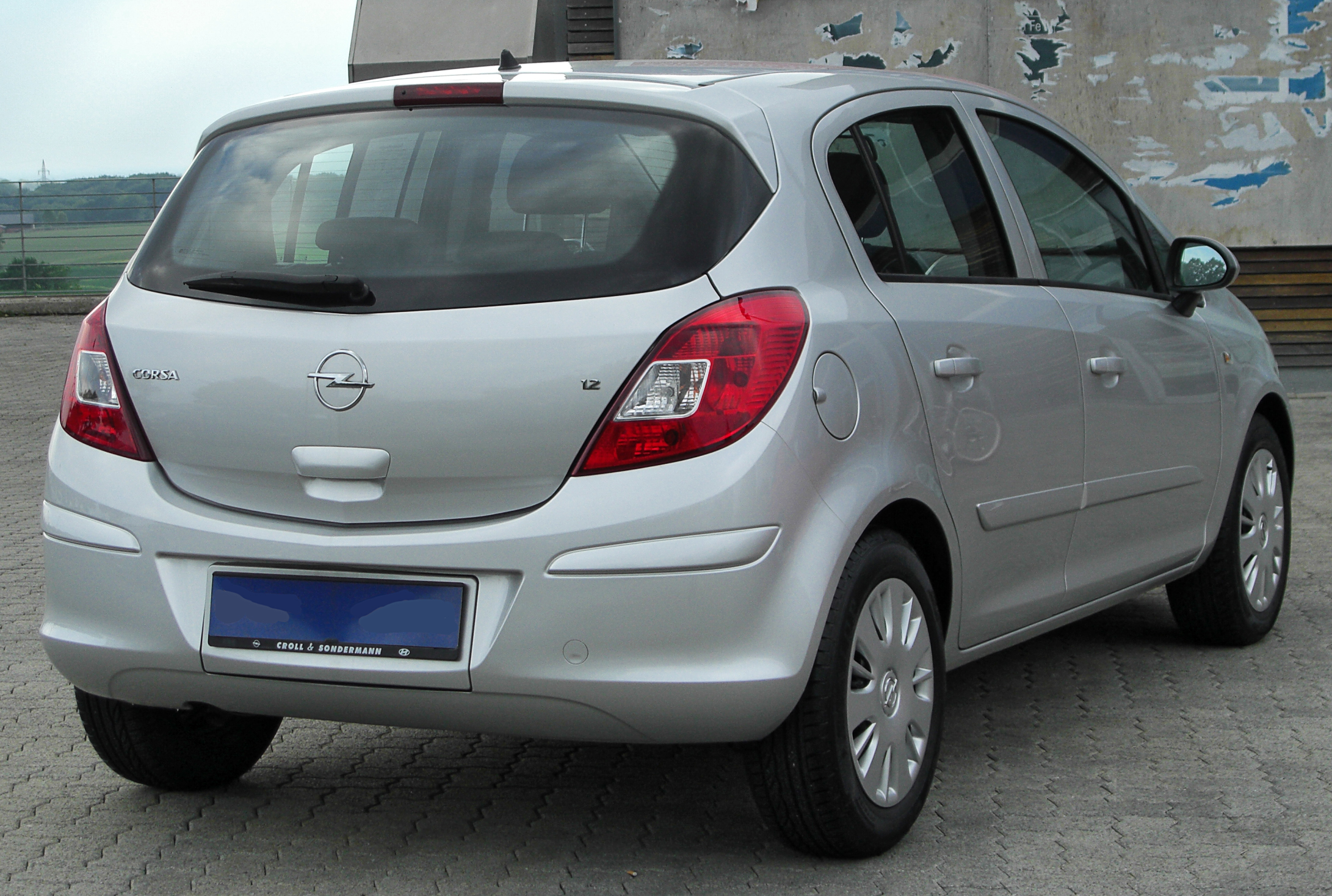 Opel corsa 1 2 2010 technical specifications interior for Opel corsa 2010 interior
