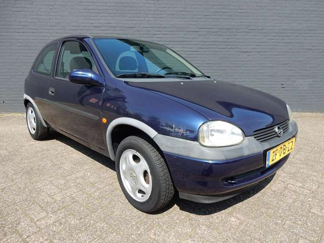 Opel Corsa 1.2i 1999 photo - 3
