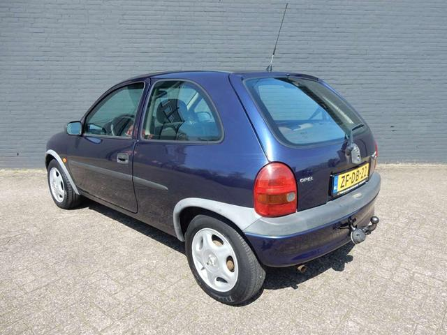 Opel Corsa 1.2i 1999 photo - 4