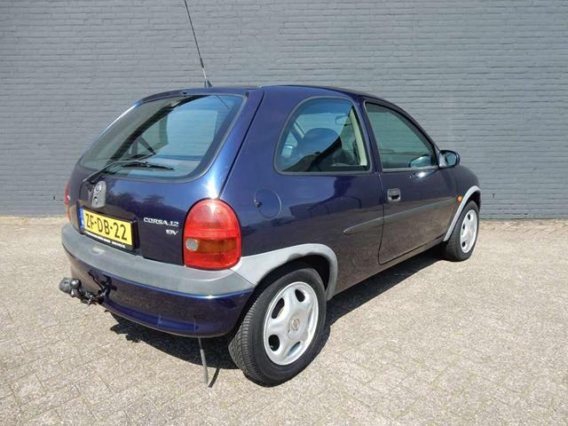 Opel Corsa 1.2i 1999 photo - 5