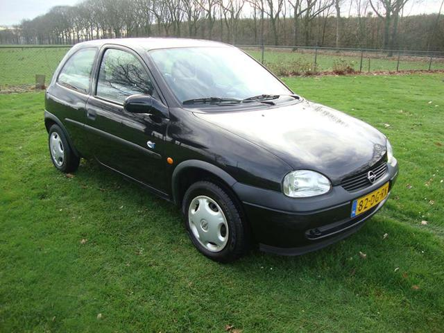 Opel Corsa 1.2i 1999 photo - 6