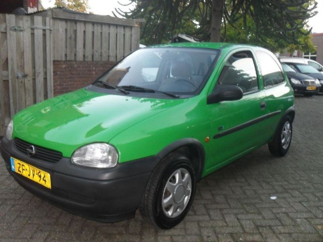 Opel Corsa 1.2i 1999 photo - 9