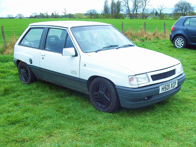 Opel Corsa 1.4 1991 photo - 10