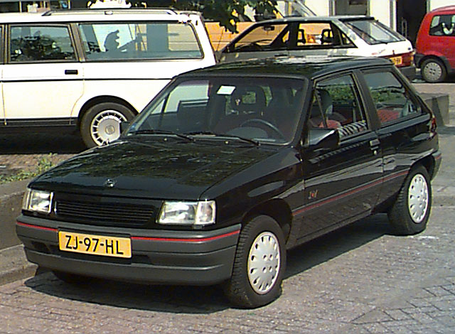Opel Corsa 1.4 1991 photo - 11