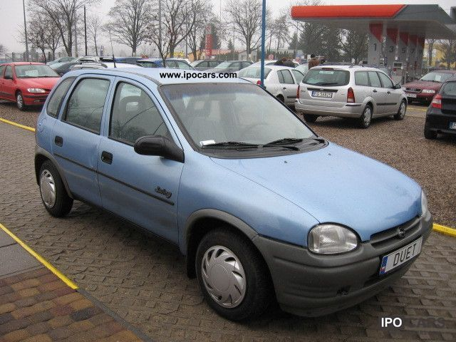 Opel Corsa 1.4 1995 photo - 2