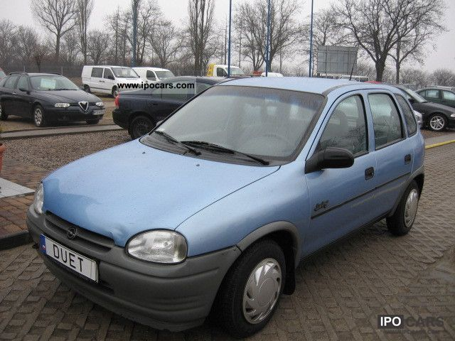 Opel Corsa 1.4 1995 photo - 3