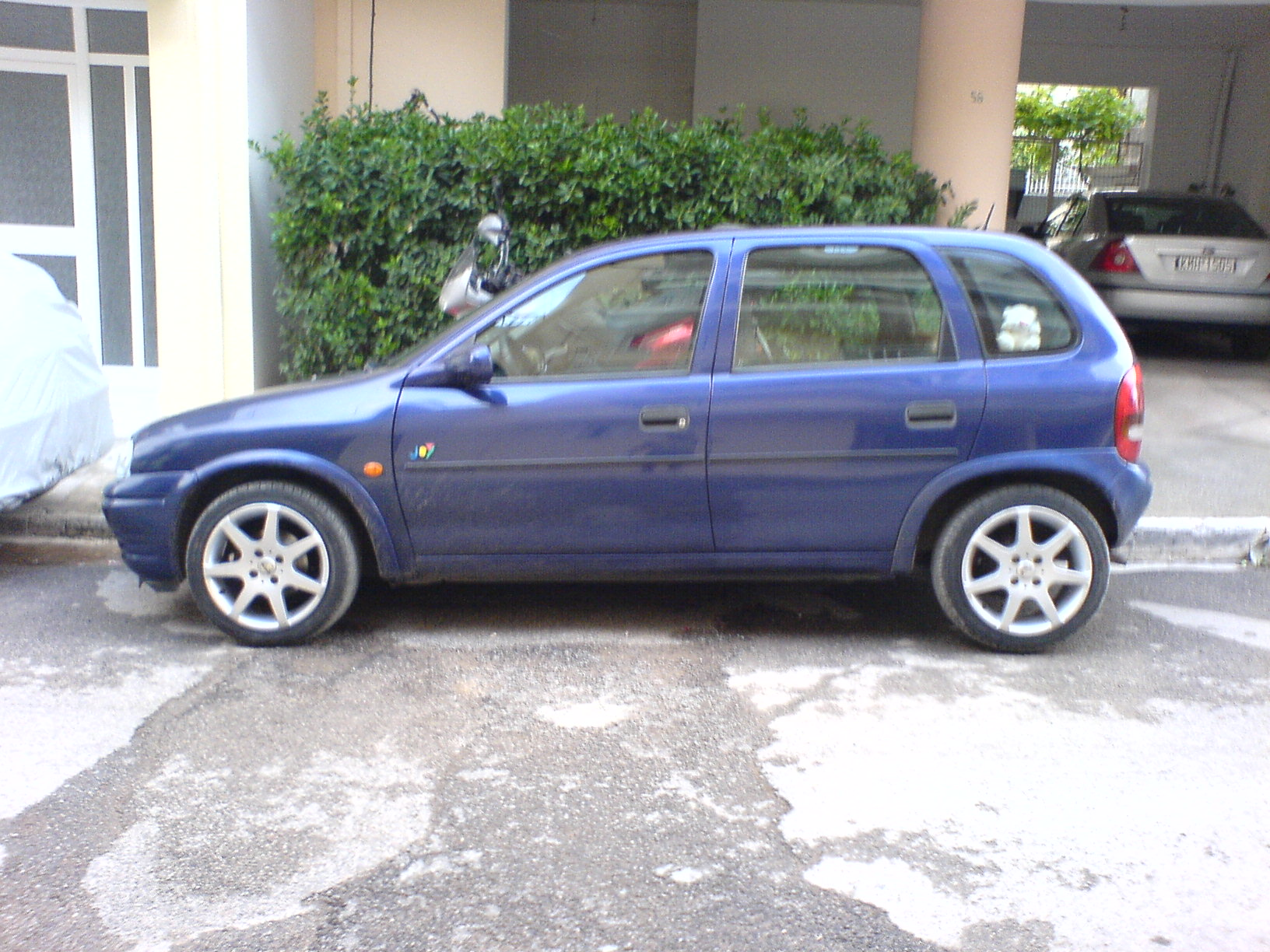 Opel Corsa 1.4 1995 photo - 8