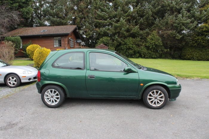 Opel Corsa 1.4 1996 photo - 2