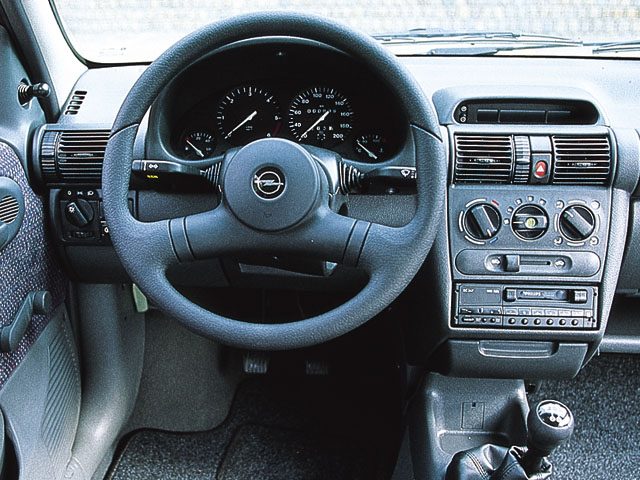 Opel Corsa 1.4 1996 photo - 6