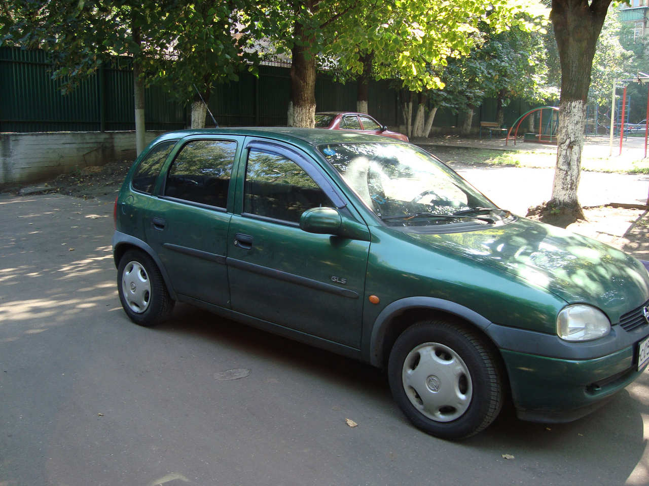 Opel Corsa 1.4 1998 photo - 1