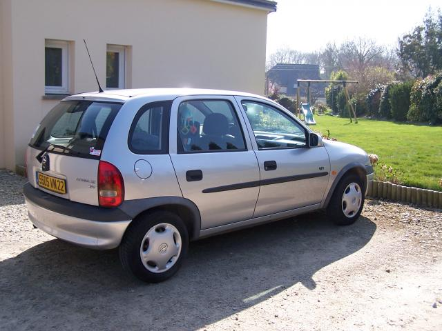 opel corsa 1 5 1998 technical specifications interior and exterior photo. Black Bedroom Furniture Sets. Home Design Ideas