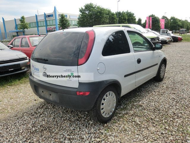 Opel Corsa 1.7 2003 photo - 11