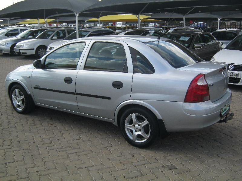 Opel Corsa 1.7 2003 photo - 3