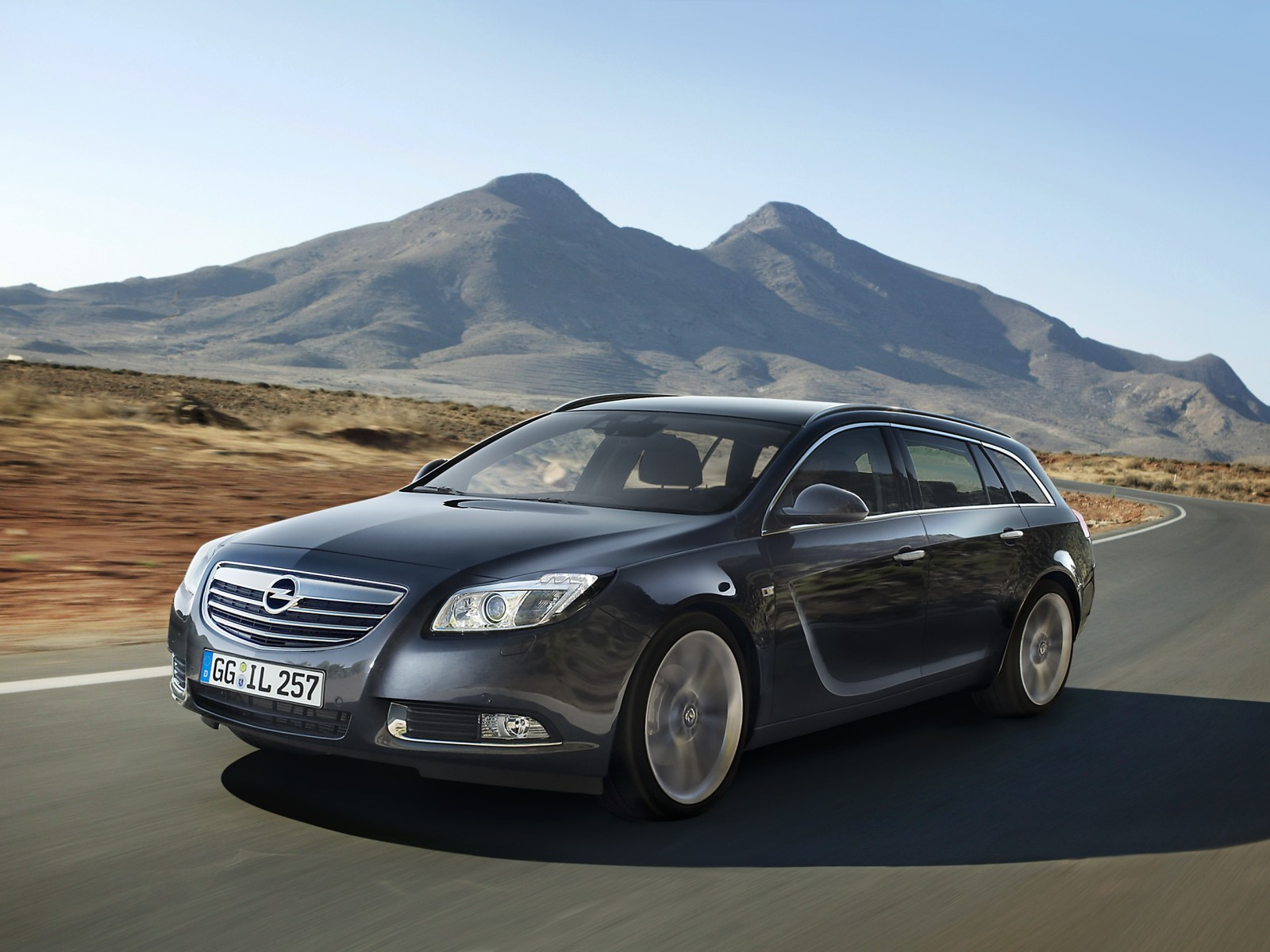 Opel Insignia 2.0 2009 photo - 9