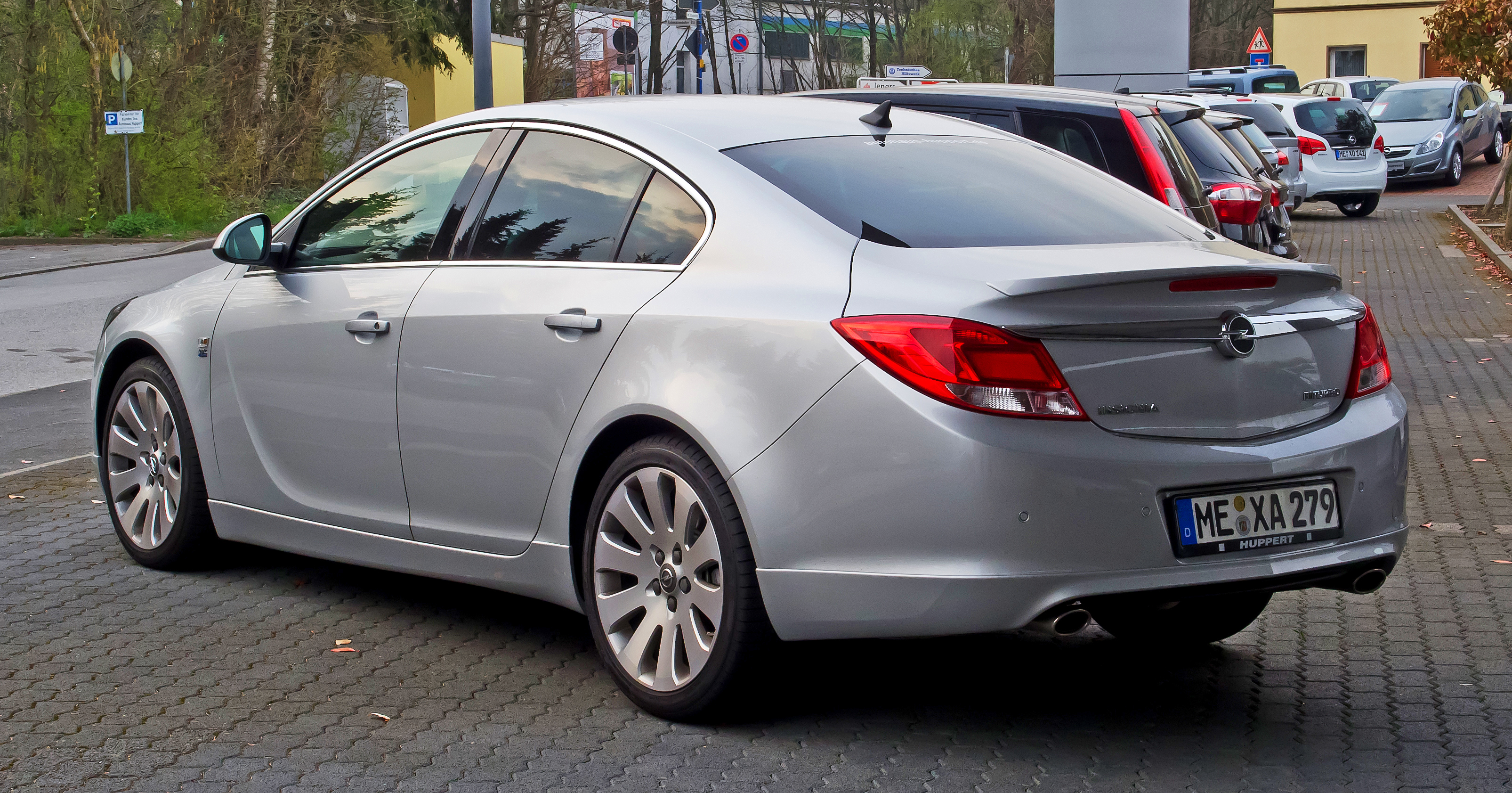 Opel Insignia 2.0 2012 photo - 1