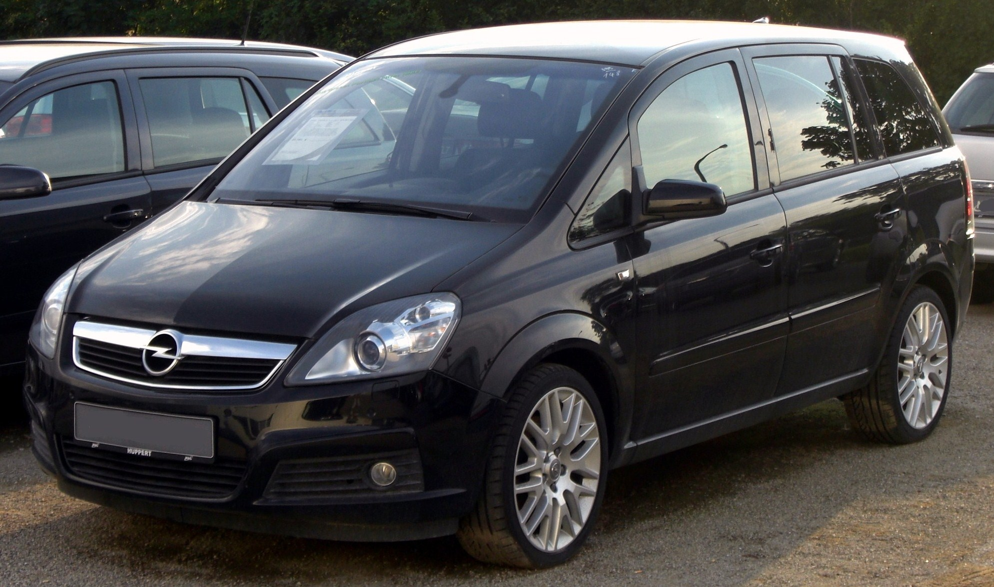 Opel Zafira 1.9 2010 photo - 1