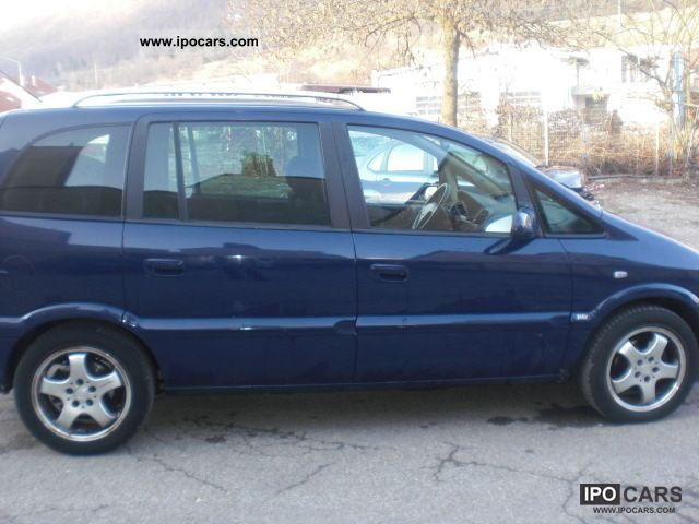 Opel Zafira 2.0 2004 photo - 12