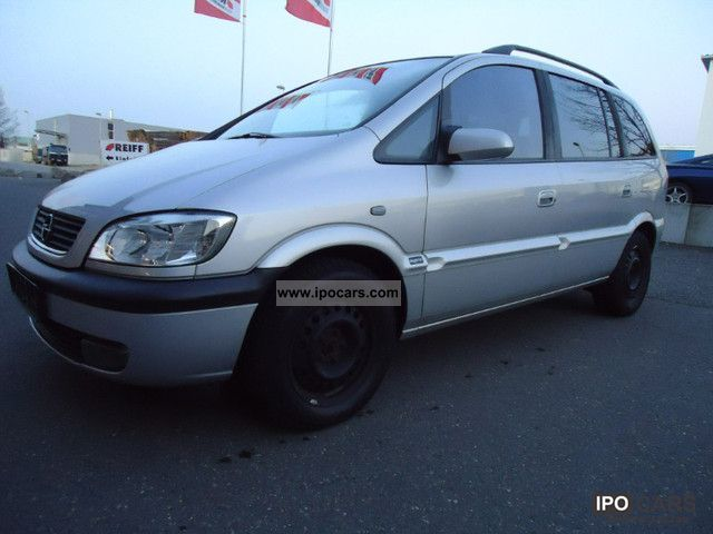 Opel Zafira 2.0 2004 photo - 2