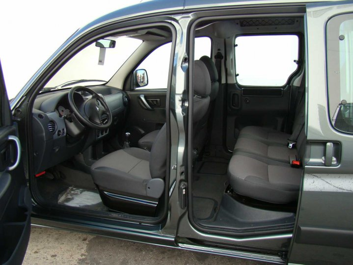 Peugeot partner 1 6 2013 technical specifications for Peugeot partner interior