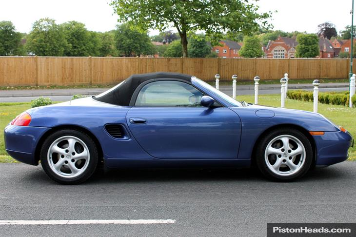 Porsche Boxster 2.5 1998 photo - 10