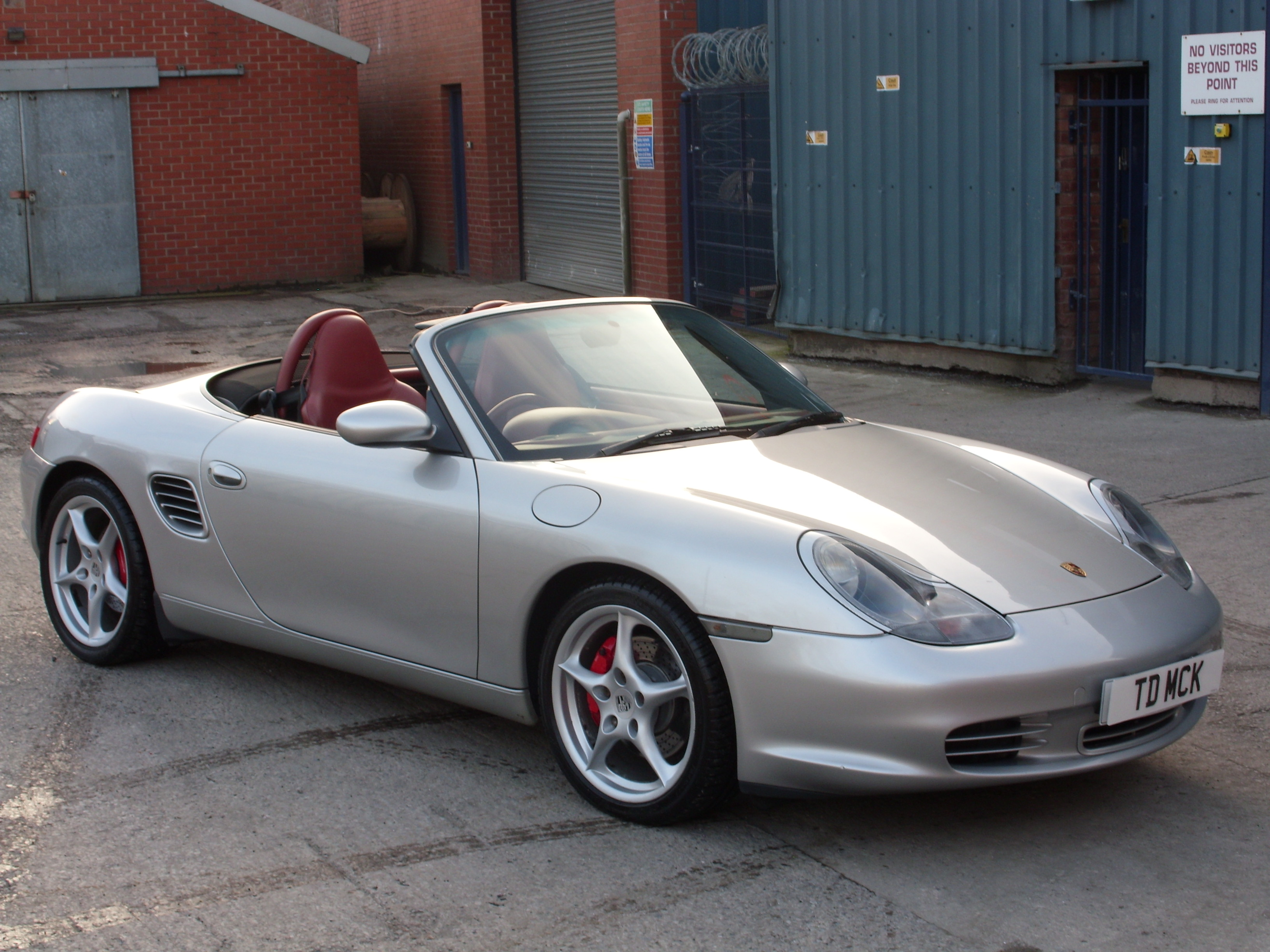 Porsche Boxster 2.7 2003 photo - 8