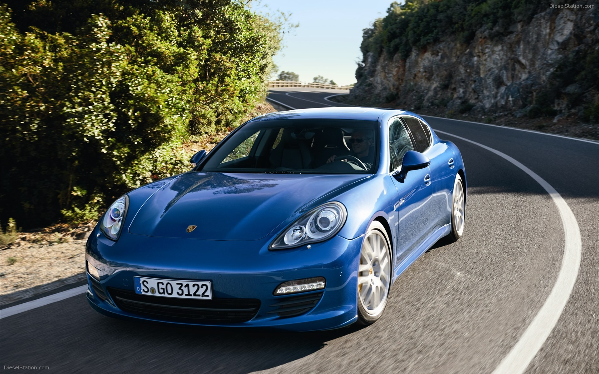 Porsche Panamera S 2011 Technical Specifications Interior And Fuse Box Diagram Photo 2