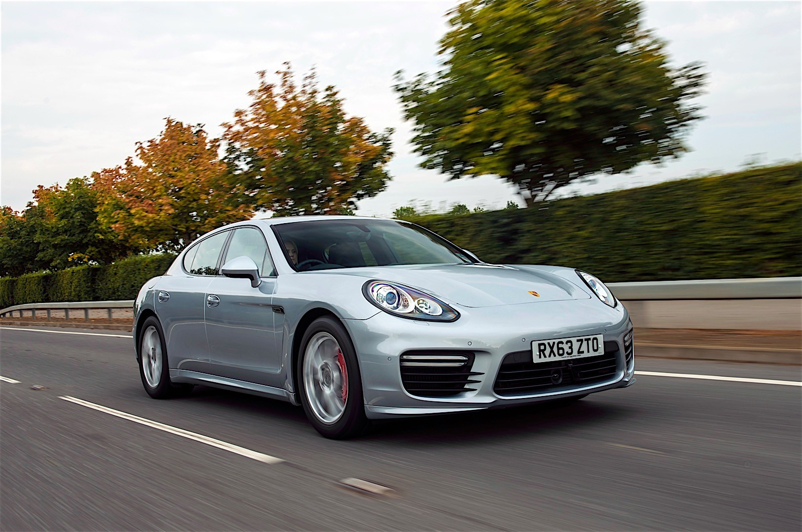 Porsche Panamera Turbo 2013 photo - 10