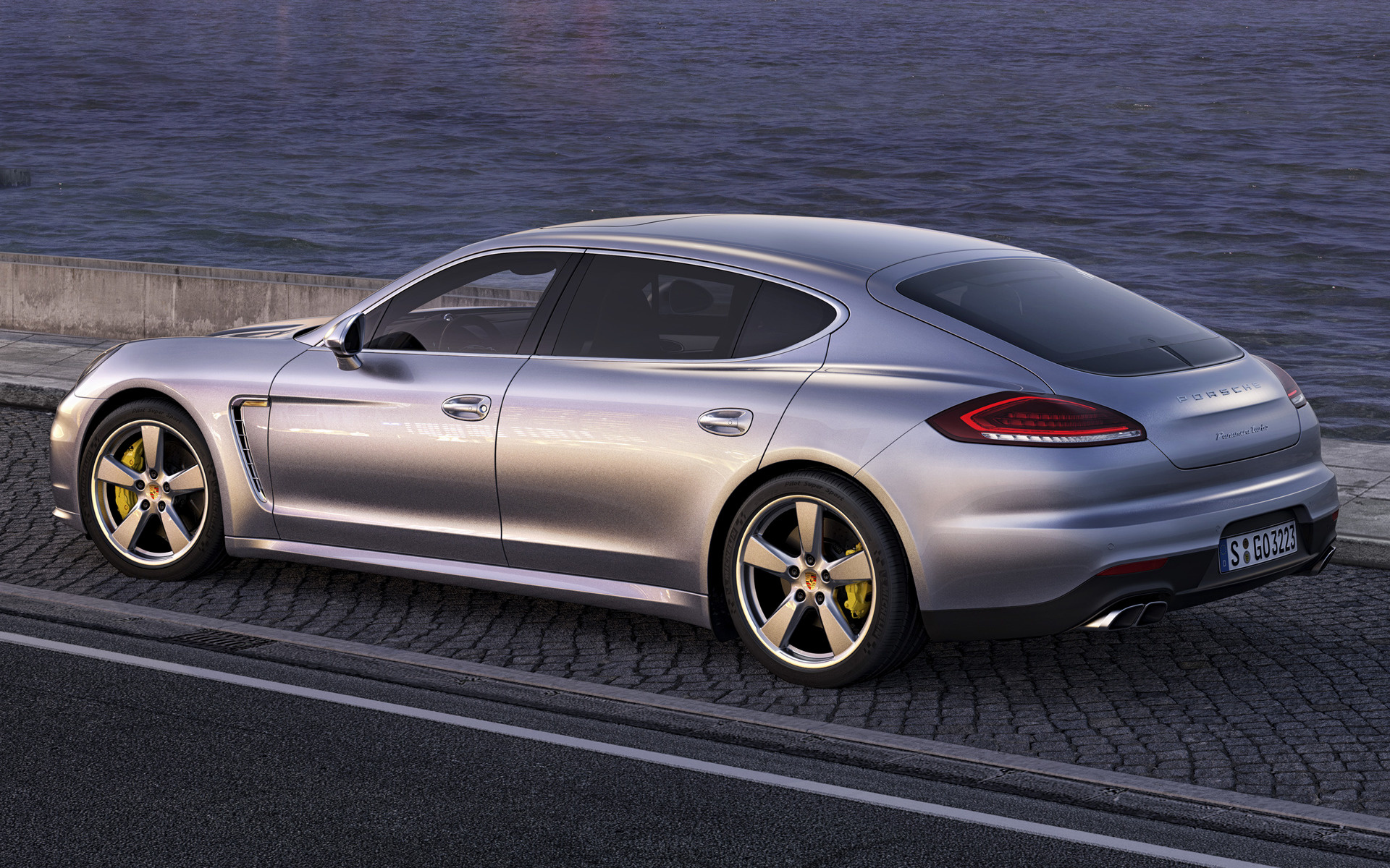 Porsche Panamera Turbo 2013 photo - 12