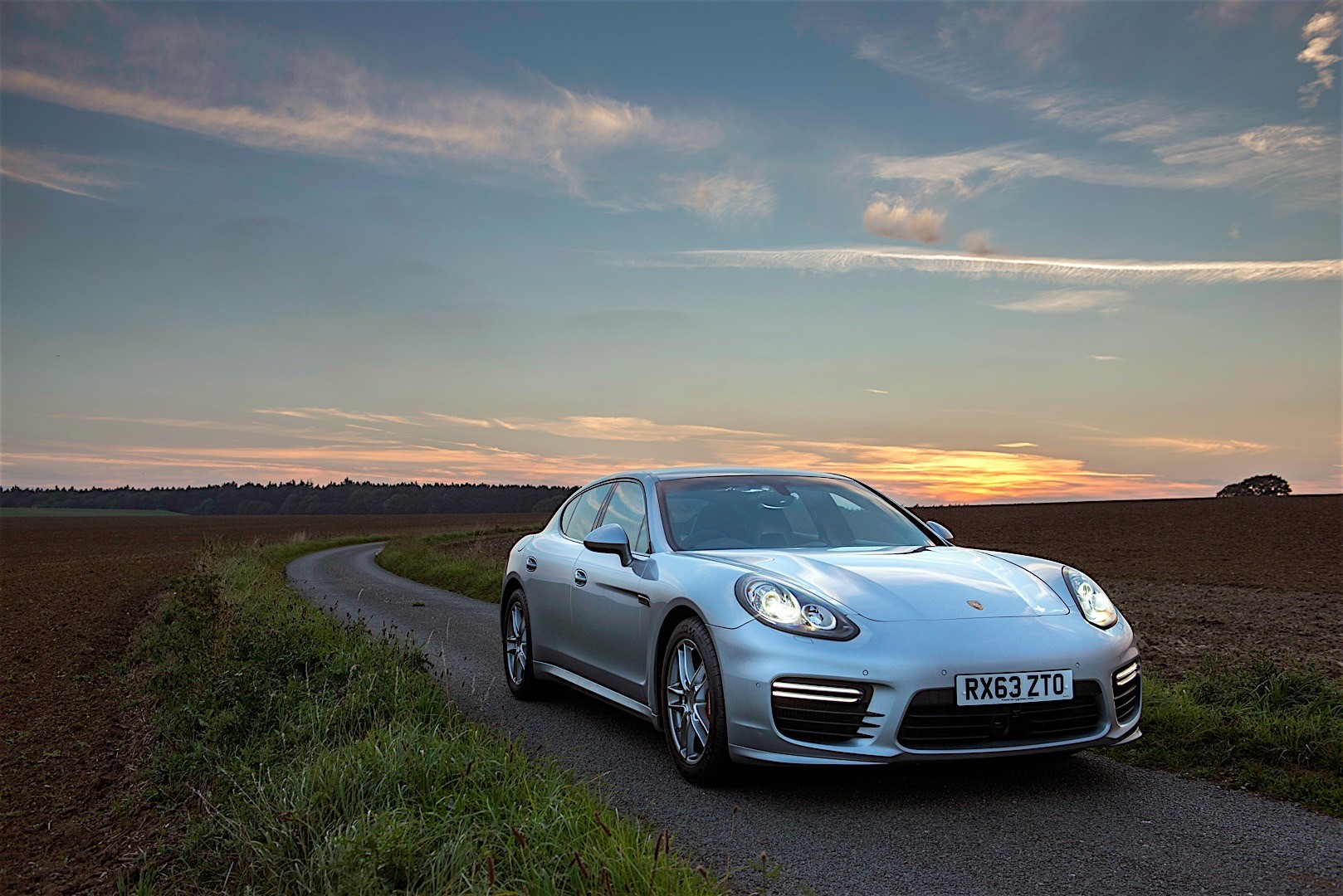 Porsche Panamera Turbo 2013 photo - 6