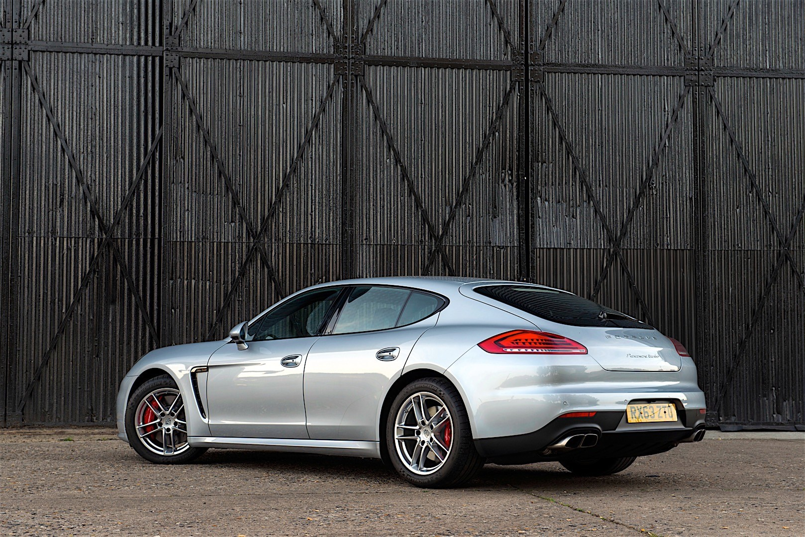 Porsche Panamera Turbo 2013 photo - 8
