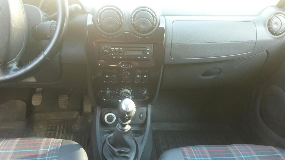 Renault Duster 1.5 2010 photo - 6