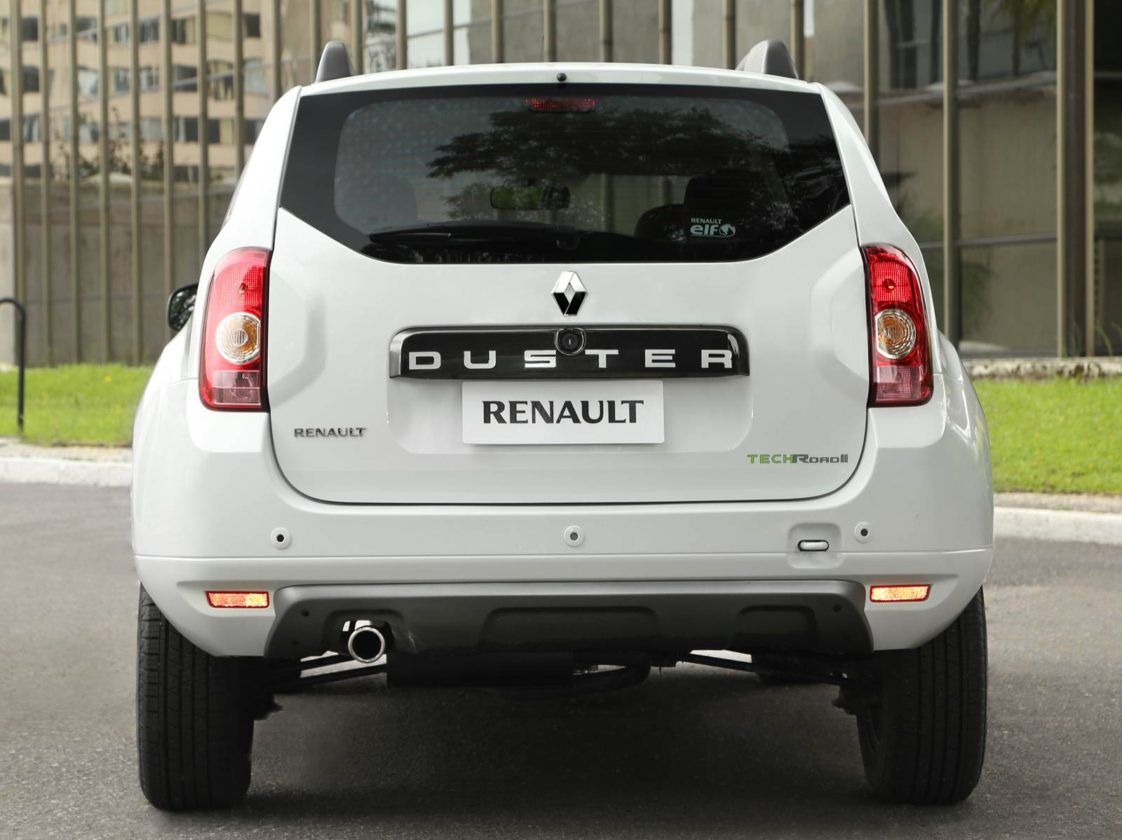 Renault Duster 2.0 2014 photo - 9