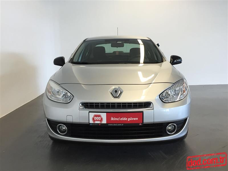 Renault Fluence 1.6 2005 photo - 8