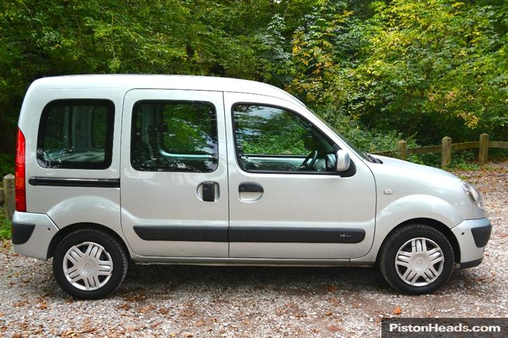Renault Kangoo 1.6 2006 photo - 11