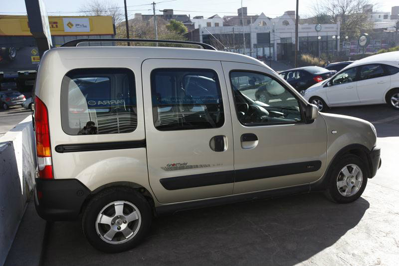 Renault Kangoo 1.6 2011 photo - 8