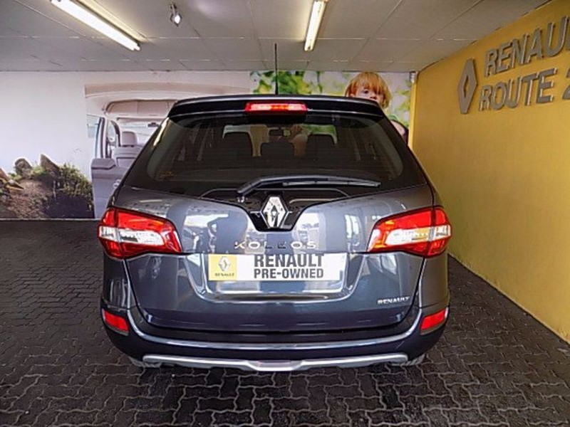 Renault Koleos 2.5 2010 photo - 11