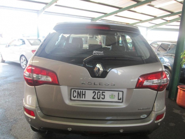 Renault Koleos 2.5 2012 photo - 2