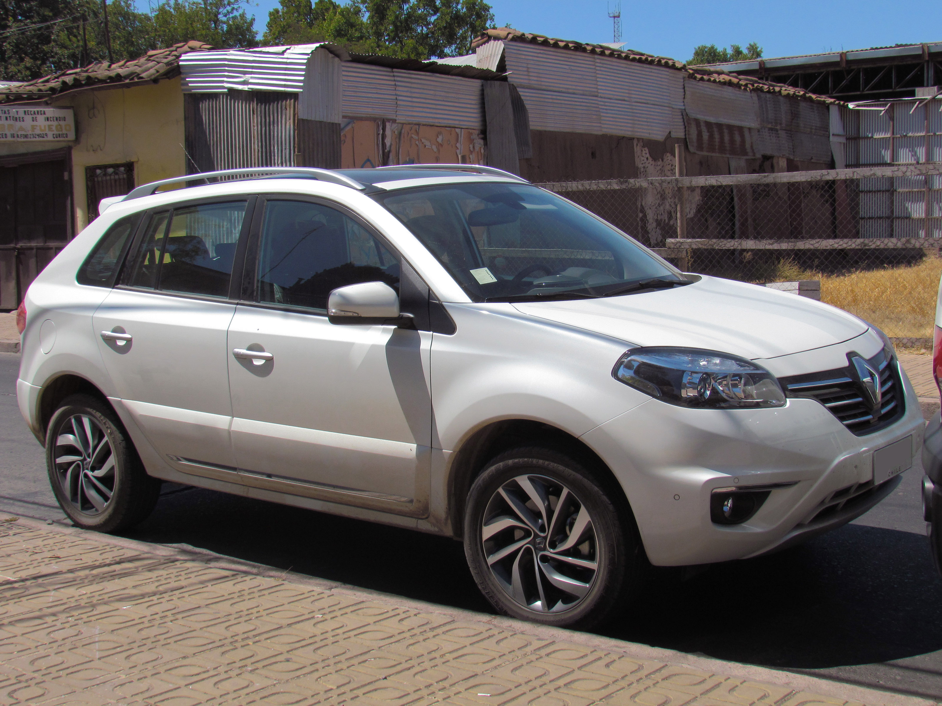 Renault Koleos 2.5 2014 photo - 2