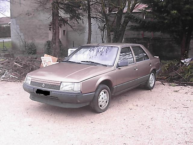 Renault Logan 1.4 1984 photo - 11