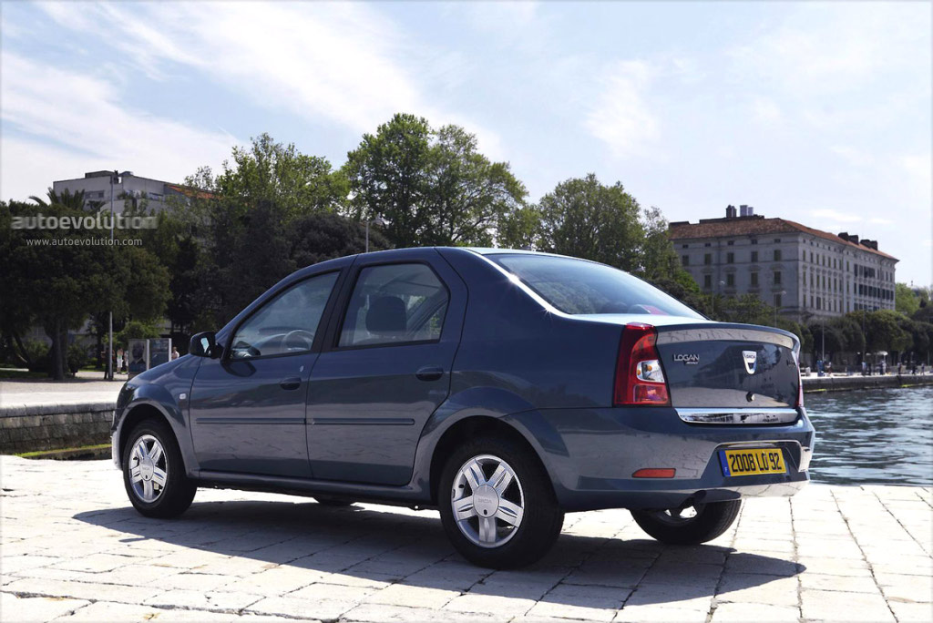 Renault Logan 1.5 2008 photo - 9