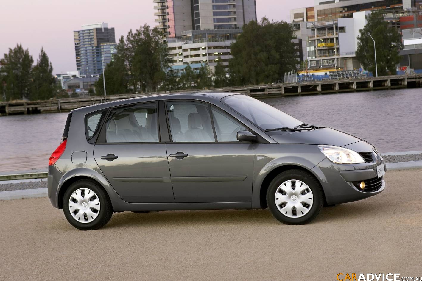 renault scenic 1 4 2008 technical specifications. Black Bedroom Furniture Sets. Home Design Ideas