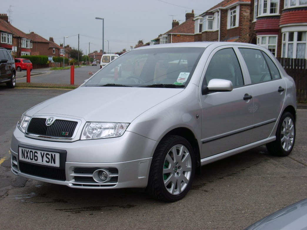 skoda fabia 1 6 2006 technical specifications interior and exterior photo. Black Bedroom Furniture Sets. Home Design Ideas
