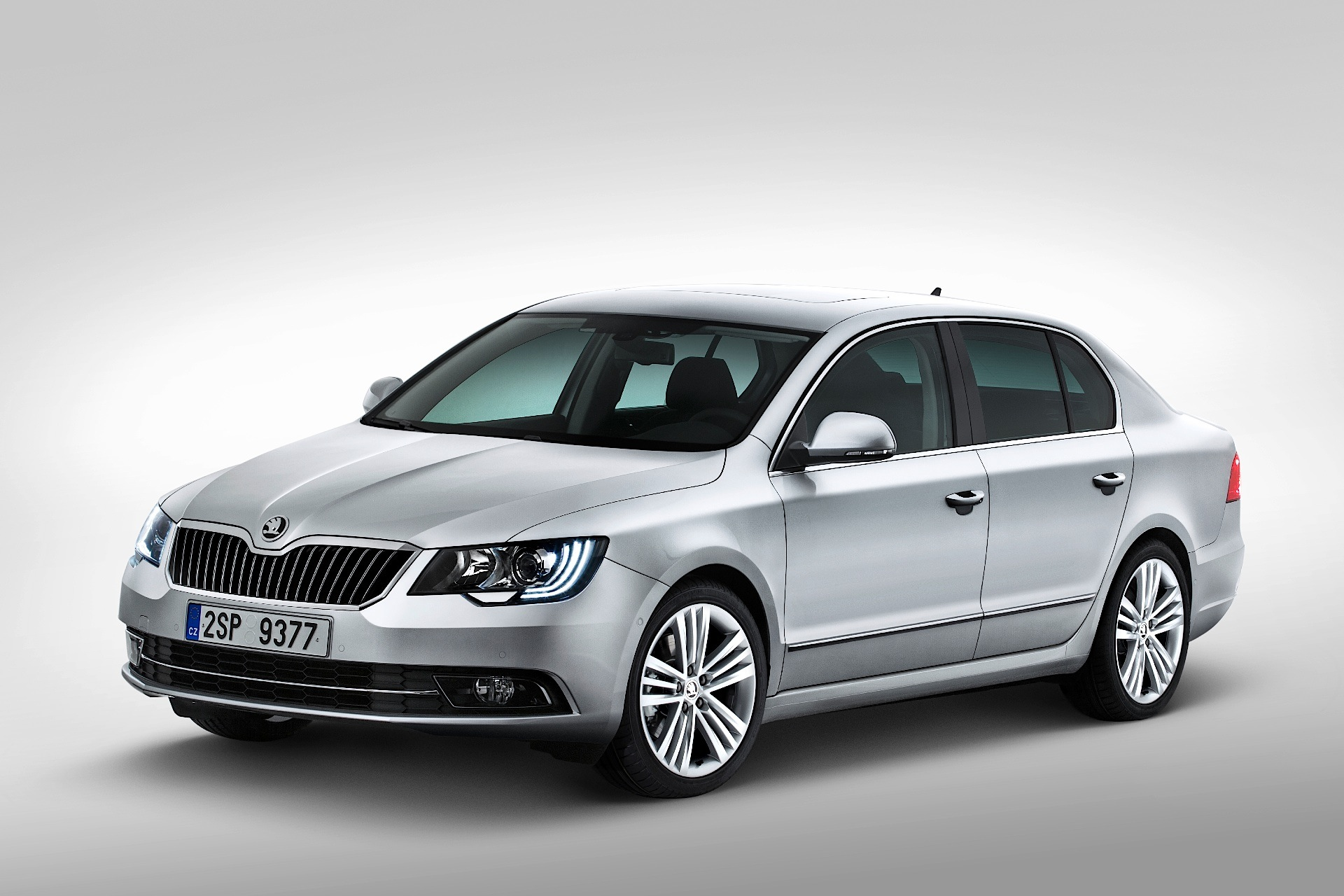 Skoda Superb 1.4 2013 photo - 12