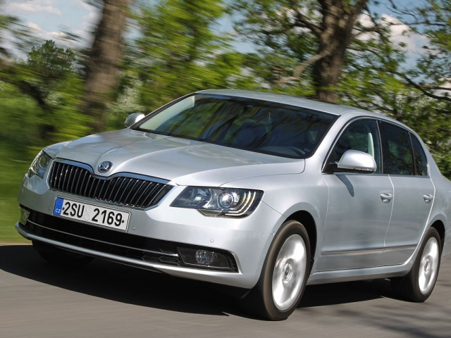 Skoda Superb 1.4 2013 photo - 8
