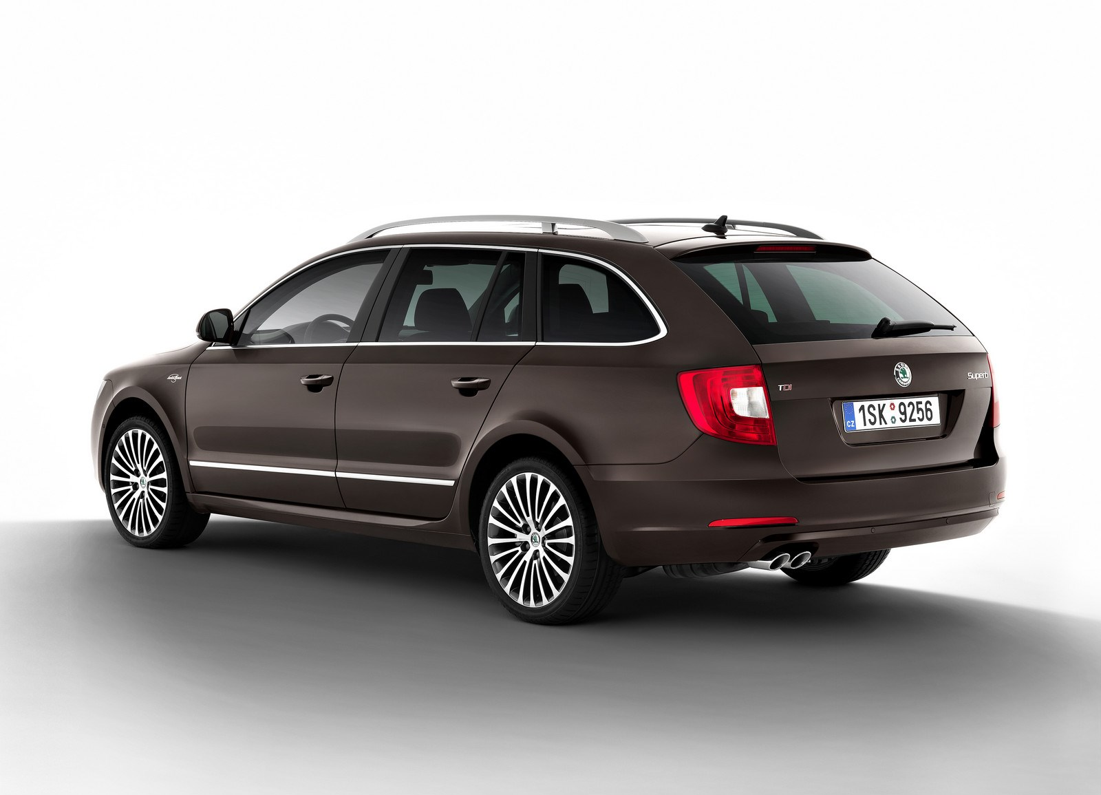 Skoda Superb 1.4 2014 photo - 9