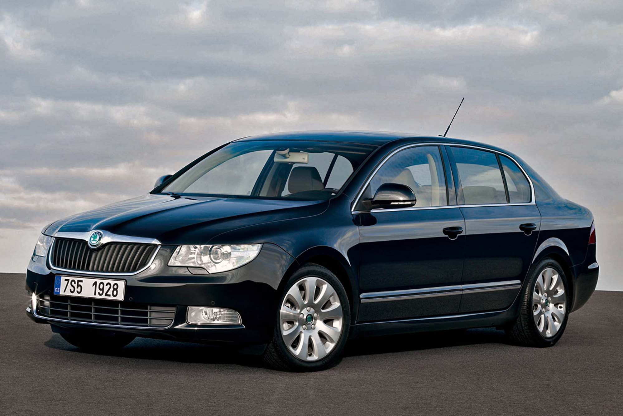 Skoda Superb 1.6 2008 photo - 1