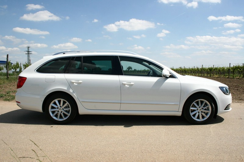 Skoda Superb 1.6 2013 photo - 8